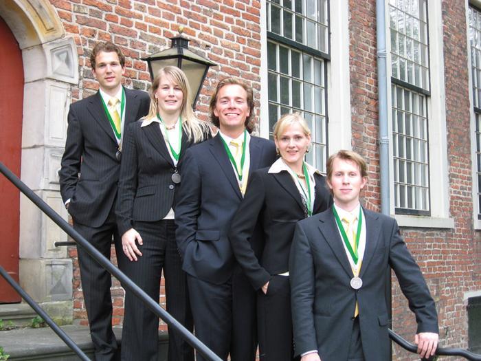 bestuuursfoto_2007-2008.jpg
